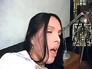 Dude drills sexy tranny