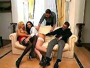 Two hot ts blow two guys on sofa