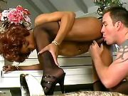 Ebony shemale cums and gets cream